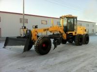 Автогрейдеры помогали чистить снег