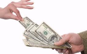 Социальные деньги обещают выдавать без задержек